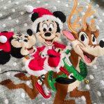 ディズニーのクリスマスジャンパー
