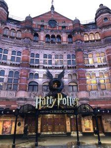 ロンドンのハリーポッタのハリーポッター公式ショップ